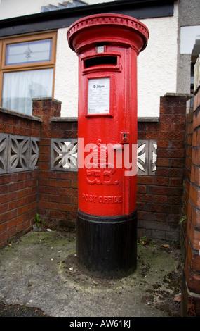 Rare Edward VIII Pillar Box - Stock Photo