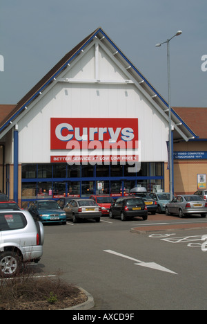 Ipswich Currys out of town center centre store on retail park with ample easy free car parking for customers - Stock Photo