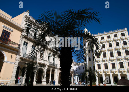 Plaza Vieja in La Habana Vieja - Stock Photo