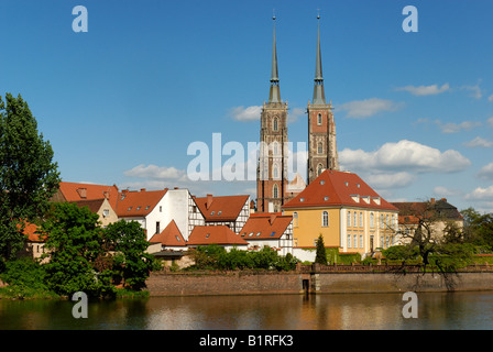 View over the Oder River, Wroclaw Cathedral, Wroclaw, Silesia, Poland, Europe - Stock Photo