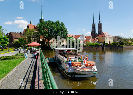 Excursion boat on the River Oder, Wroclaw, Silesia, Poland, Europe - Stock Photo