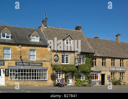 Queens Head Inn Stow-on-the-Wold - Stock Photo
