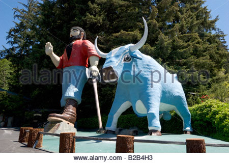 Paul Bunyan and Babe the Blue Ox Trees of Mystery Klamath California - Stock Photo