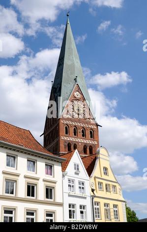 Das Stadtbild von Lüneburg in Niedersachsen Deutschland The townscape of Lueneburg in Lower Saxony Germany - Stock Photo
