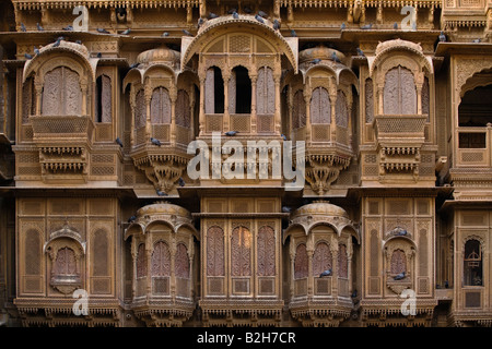 The Patwa Ki Haveli is the finest example of sandstone construction in the GOLDEN CITY of JAISALMER RAJASTHAN INDIA - Stock Photo