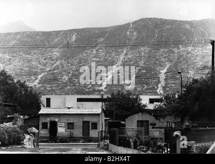 geography / travel, Mexico, Monterrey, street scenes, huts at street, 1971, Additional-Rights-Clearances-NA - Stock Photo