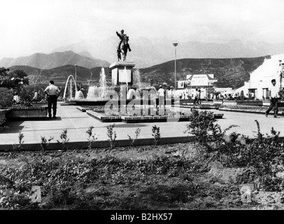 geography / travel, Mexico, Monterrey, street scenes, monument on square, 1971, Additional-Rights-Clearances-NA - Stock Photo