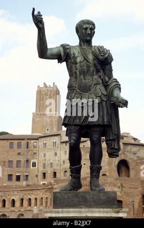 Trajan (Marcus Ulpius Traianus) 18.9.53 - 8.8.117, Roman emperor in 27.1.98 - 117, full length, statue, Rome, Italy, - Stock Photo