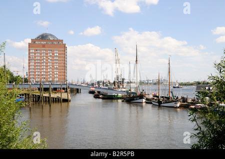 Blick von Övelgönne Hamburg Deutschland View from Oevelgoenne Hamburg Germany - Stock Photo