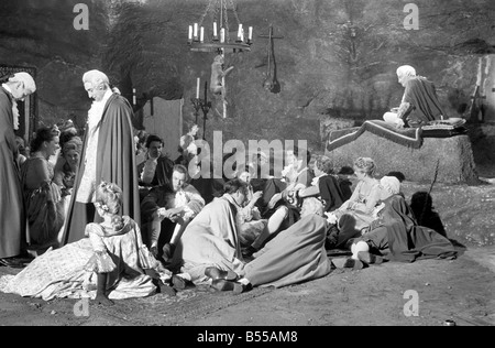 Scene from the set of the new Hammer House of Horror film 'The Hellfire  Club' at Pinewood Studio. June 1960 M4446 - Stock Photo