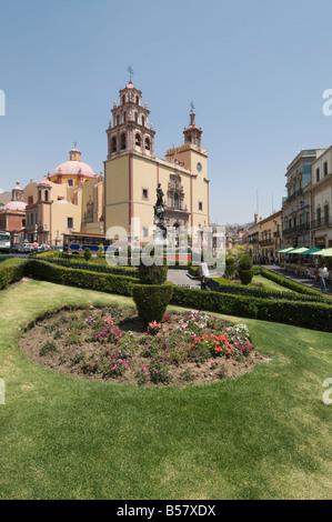 View from the Plaza de la Paz of the 17th century Basilica de Nuestra Senora de Guanajuato in Guanajuato, Mexico - Stock Photo