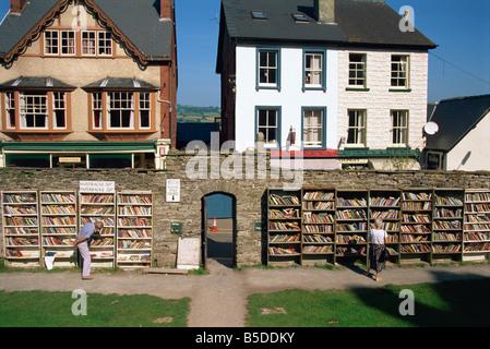 Outdoor bookshop, Hay on Wye, Herefordshire, England, Europe - Stock Photo