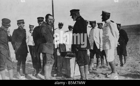 1IT 243 F1915 E Marconi in Tobruk Marconi Guglielmo Italian radio technician invented wireless telegraphy in 1896 - Stock Photo