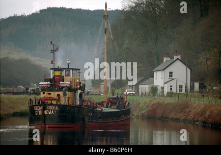 Elean Eisdeal puffer on crinan canal scotland. - Stock Photo