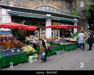 Vegetable stall the Wild Mushroom company Borough Market London UK - Stock Photo