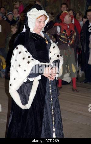 Actress playing Ann Boleyn, Hampton Court, Surrey, England - Stock Photo