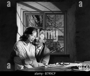 Sasom I En Spegel Year: 1961 Director: Ingmar Bergman Harriet Andersson, Gunnar Björnstrand - Stock Photo