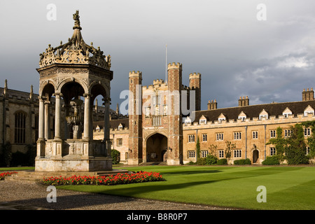 Trinity College Cambridge Great Gate and fountain in the Great Court after the storm - Stock Photo