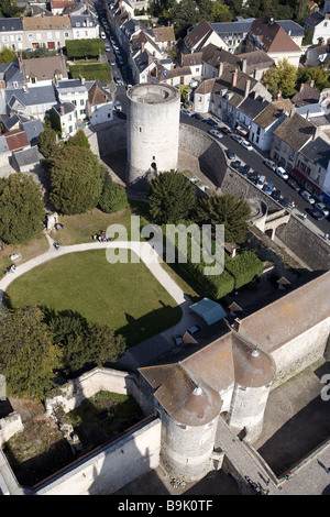 France, Essonne, Chevreuse Valley, Dourdan, donjon of the feudal castle (aerial view) - Stock Photo