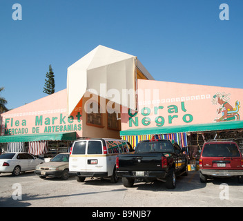 Mexico Yucatan - Cancun zona hotelara or hotel zone main centre near the Forum shopping mall the fleamarket - Stock Photo
