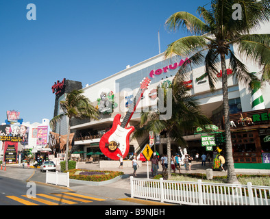 Mexico Yucatan - Cancun zona hotelara with Hard Rock cafe and Forum shopping mall - Stock Photo