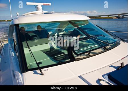 Cabin of powerboat on river in Florida USA   Kabine einer Motoryacht auf einem Fluss in Florida USA - Stock Photo