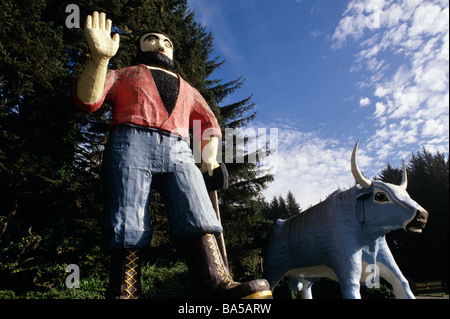 Trees of Mystery Paul Bunyan and Babe the blue ox Northern California USA - Stock Photo