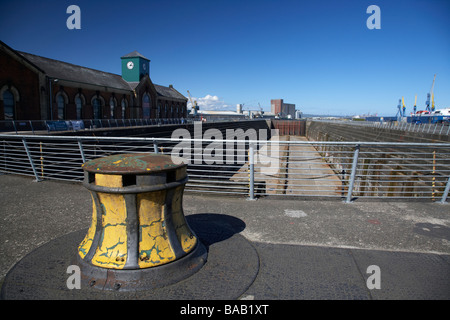 capstan at the former thompsons dry graving dock and pump house where the titanic was built in titanic quarter queens - Stock Photo