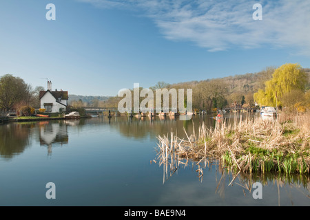 Upstream of the Lock and weir at Goring on Thames Oxfordshire Uk - Stock Photo