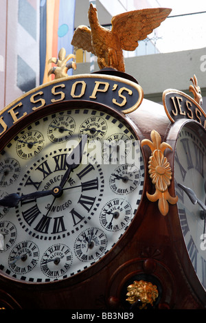 jessop's clock completed in 1907 which tells the time in principle locations around the world in horton plaza san - Stock Photo
