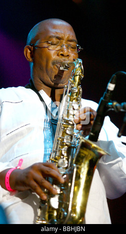 Entertaining over 25 000 local and international jazz lovers and fans is Sipho Hotstix Mabuse performs at the 4th - Stock Photo