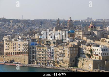 MALTA. A view of Senglea (L-Isla) across the Grand Harbour from the Upper Barrakka Gardens in Valletta. 2009. - Stock Photo