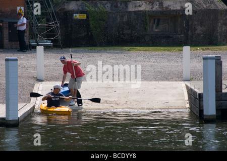 leisure boating Allington Lock River Medway Maidstone Kent England UK eUROPE - Stock Photo
