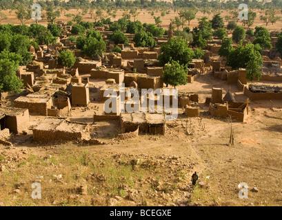 Mali. Sahel. Dogon Land. Village of Ende.Traditional architecture. Unesco World Heritage Site. - Stock Photo