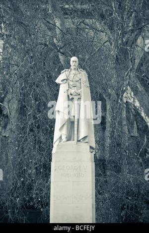 King George 5th Statue, Abingdon Street, London, England - Stock Photo
