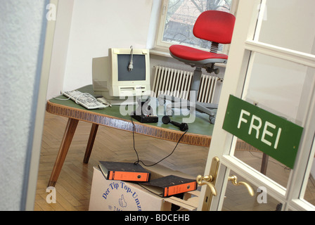 office, removal, Germany, circa 2000, Additional-Rights-Clearances-NA - Stock Photo