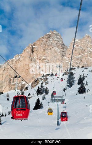 Gondola lift, Val Gardena, Sella Massif range,  Dolomites, South Tirol, Trentino Alto-Adige, Italy - Stock Photo
