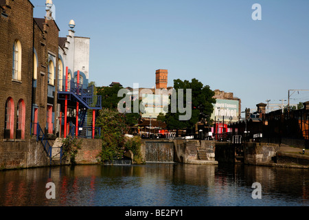 Regent's Canal at Hawley Lock, Camden Town, London, UK - Stock Photo