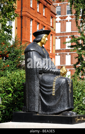 Sir Thomas Moore Statue, Cheyne Walk, Chelsea, Royal Borough of Kensington and Chelsea, London, England, United - Stock Photo