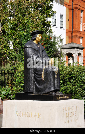 Sir Thomas Moore Statue, Cheyne Walk, Chelsea, Royal Borough of Kensington and Chelsea, Greater London, England, - Stock Photo