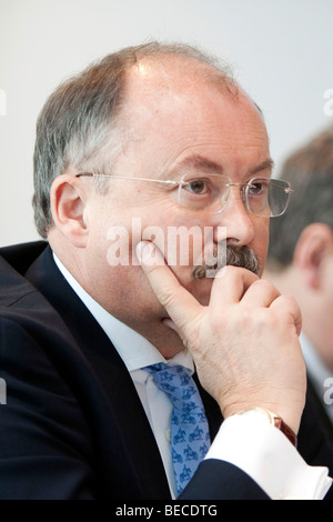 Hans H. Overdiek, Chief Executive Officer of Pfleiderer AG, during the financial statement press conference on 31.03.2009 - Stock Photo