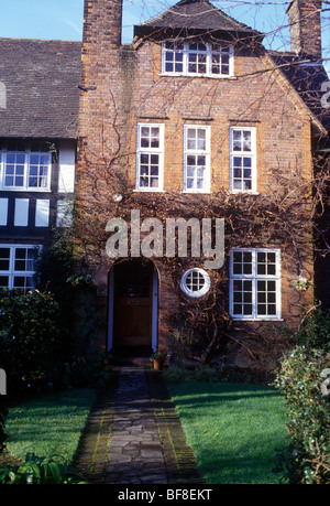 Hampstead Garden Suburb North London UK. Early 20th century Arts and Crafts style house - Stock Photo