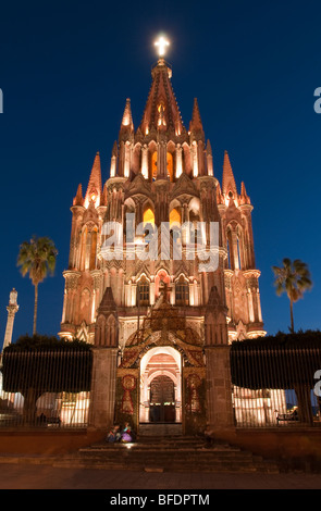 La Parroquia, Church of St. Michael the Archangel, San Miguel de Allende, Mexico. - Stock Photo