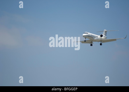 Aircraft landing- Gulfstream Aerospace G-IV (Gulfstream 4) - Stock Photo
