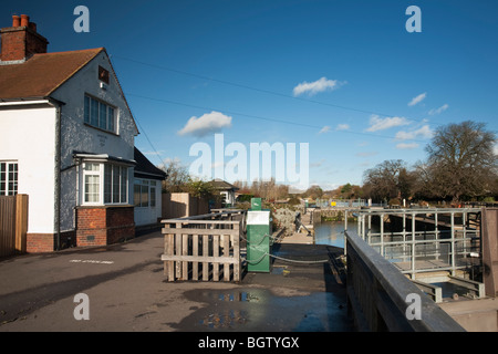 Sandford Lock on the River Thames near Oxford, Oxfordshire, Uk - Stock Photo