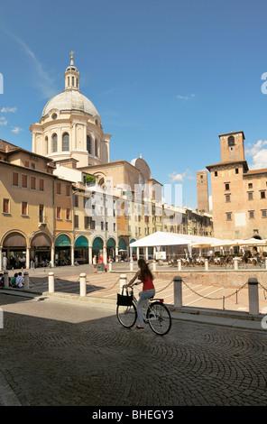The Basilica di Sant'Andrea seen from the Piazza Concordia in the mediaeval city of Mantua, Lombardy, Italy. - Stock Photo