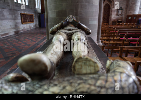 Tomb effigy of Sir Richard Pembridge Knight of the Garter under Edward III,situated between the Nave and South Aisle. - Stock Photo