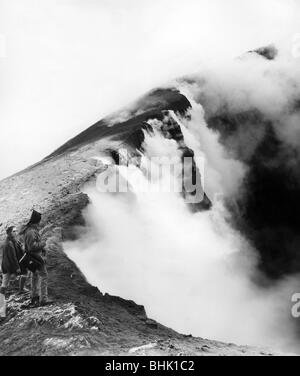 geography / travel, Italy, Sicily, Mount Etna, two people at the edge of the crater, circa 1960s, Additional-Rights - Stock Photo
