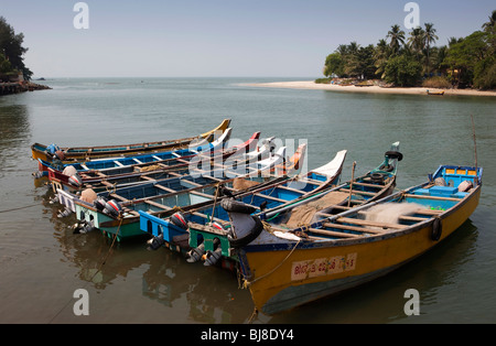 India, Kerala, Mahe (Pondicherry) Union Territory, harbour, colourful fishing boats - Stock Photo