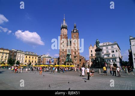 poland, krakow, rynek glowny, main market square, st mary's church - Stock Photo